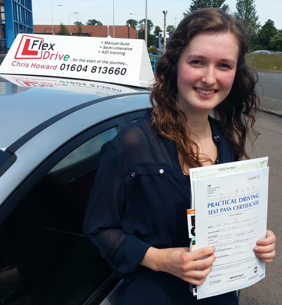 Daisy Edwards passed 1st time with Flexdrive Driving School
