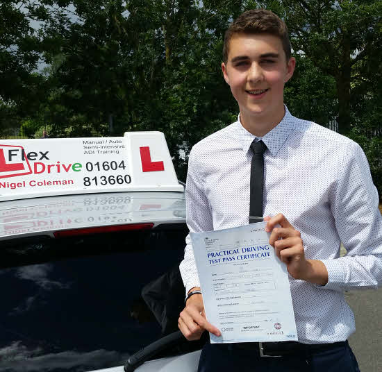 Edward Luck passes 1st time wwith 1 driving fault with Flexdrive