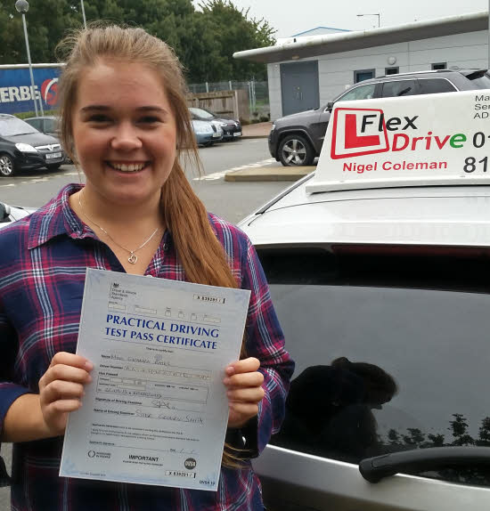 driving lessons wellingborough | Gemma bates passed 1st time having taken driving lessons with Flexdrive driving school