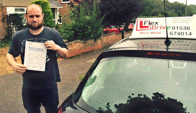 driving lessons in kettering | Perry passed with flexdrive driving school
