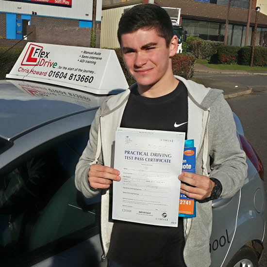 Luke Denton passed first time with Flexdrive Driving School