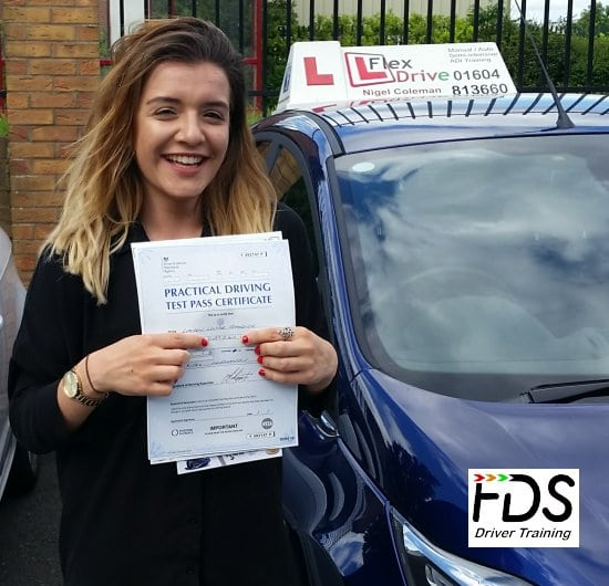Driving lessons in Northampton | Lauren passes with flexdrive driving school