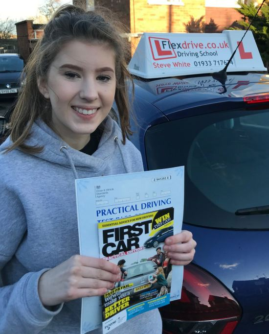 Driving Lessons in Wellingborough | Megan passed 1st time with Flexdrive Driving School