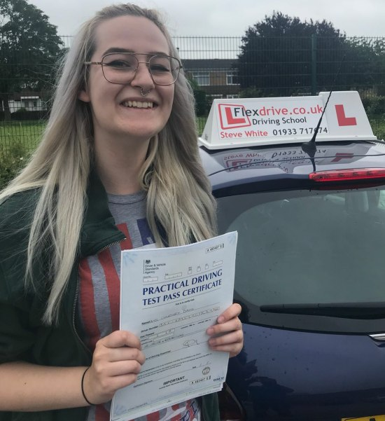 Driving Lessons in Wellingborough | Courtney passed with Flexdrive Driving School