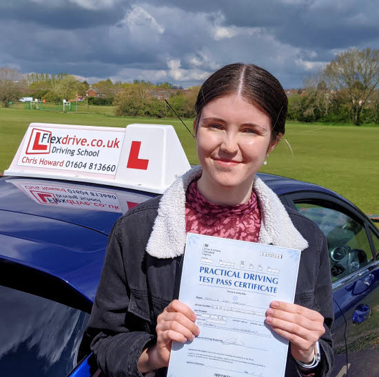 Driving Lessons in Wellingborough | Amelia passes with Flexdrive Driving School