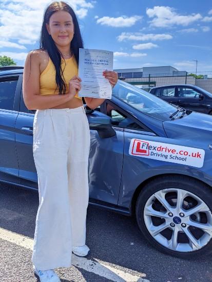 Driving Lessons in Wellingborough | Sophie Hooper-Warner passes with Flexdrive Driving School