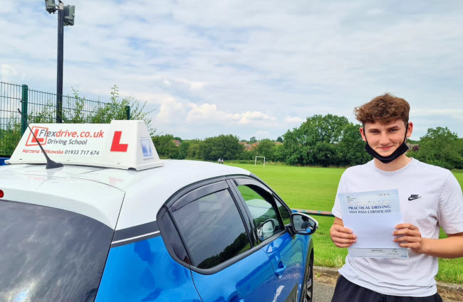 Driving Lessons in Wellingborough | Nathan passed with Flexdrive Driving School