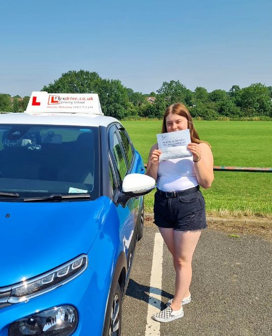 Driving Lessons in Wellingborough | Wiktoria passed with flexdrive Driving School