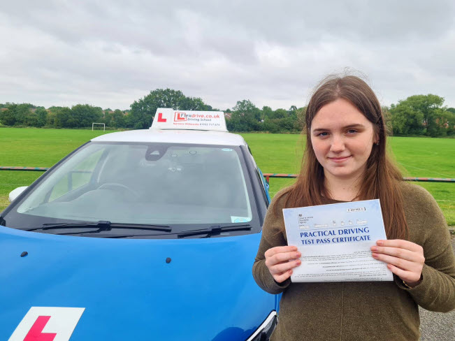 Driving Lessons in Wellingborough | Aislinn passes with Flexdrive Driving School